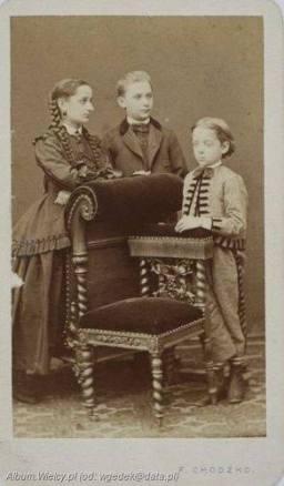 Zofia Idalia Podczaska z braćmi